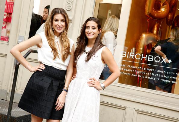 Katia Beauchamp và Hayley Barna