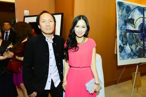 Vợ chồng Chính Chu và Hà Phương