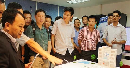 khai truong phong thi nghiem Hoa Lac IoT