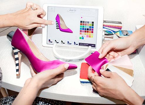 Khách hàng có thể tự thiết kế đôi giày không đụng hàng cho mình