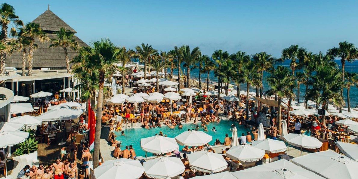 Nikki Beach Club là lựa chọn tổ chức tiệc của nhiều người nổi tiếng, nhà sản xuất và khách VIP