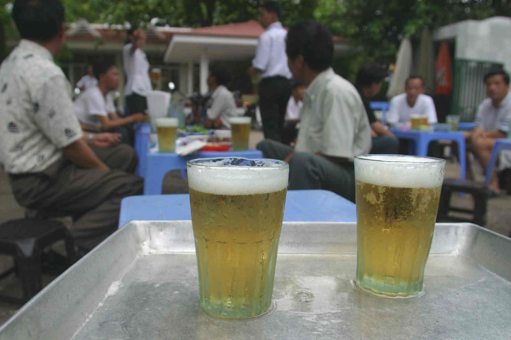 Mở quán bia hơi cần chọn bia ngon để kinh doanh