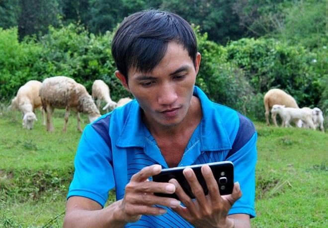 Nhờ có Facebook, công việc chăm nuôi và kinh doanh của anh thuận lợi hơn