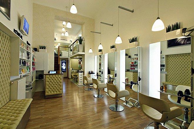 Tiệm làm tóc cần thiết kế gọn gàng và thuận tiện cho thợ thao tác