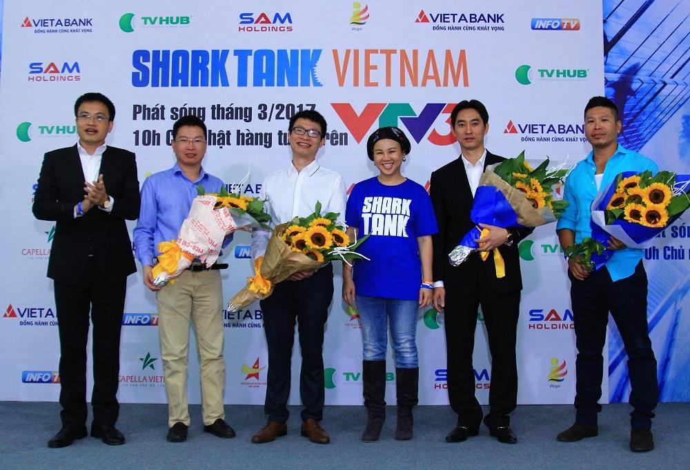 """Hình ảnh sự kiện """"Shark Tank 100: Ngày truyền cảm hứng"""""""