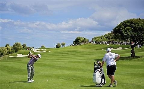 5 diem giong nhau giua choi golf va lanh dao doanh nghiep
