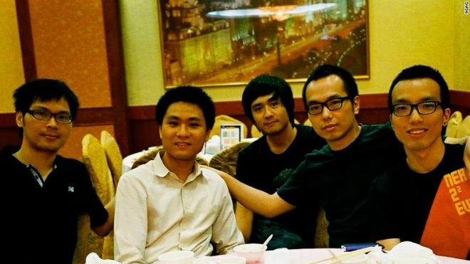 Nhóm sáng lập 9GAG, từ trái sang phải: Marco Fung, Derek Chan, Brian Yu, Ray Chan và Chris Chan.