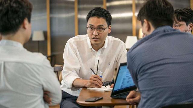 Chàng bác sỹ nha khoa bỏ việc Samsung khởi nghiệp ứng dụng di động thu hút hàng trăm triệu USD vốn đầu tư - Ảnh 1.