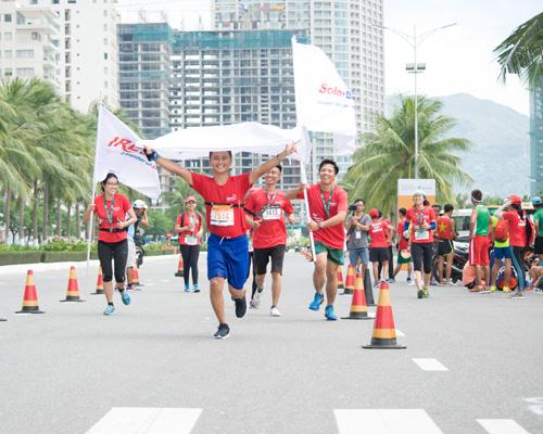 Các chân chạy của SolarBK cùng nhau về đích, vượt qua giới hạn của bản thân
