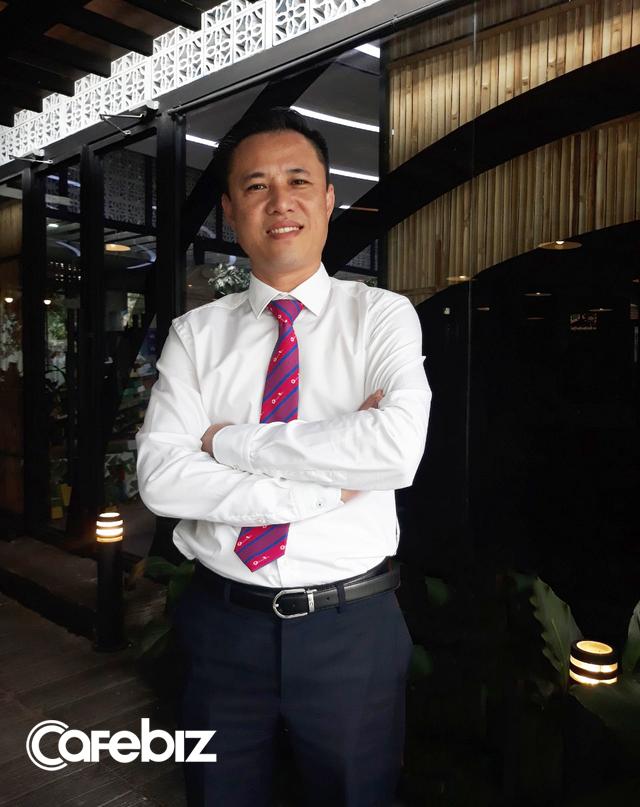 CEO Du lịch Việt: Tôi hay hỏi nhân viên lâu rồi có gọi điện cho bố mẹ? Ngành dịch vụ mà không trò chuyện được với người trong gia đình thì làm sao quan tâm tới người ngoài? - Ảnh 1.