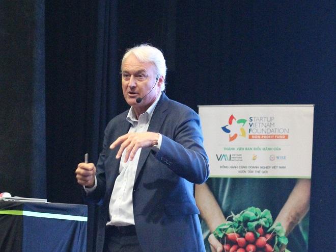 Diễn giả Alain Goudsmet là chuyên gia quốc tế nổi tiếng trong lĩnh vực huấn luyện tinh thần, với 20 năm kinh nghiệm hướng dẫn cá nhân và toàn đội với mục tiêu đạt hiệu suất cao nhất. Ông là nhân vật nổi bật trong giới thể thao, giáo dục và kinh doanh. Ảnh: Hà Trương.