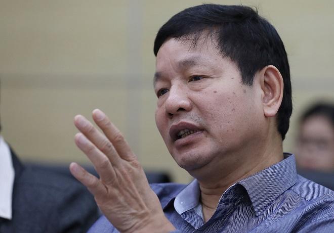 Ông Trương Gia Bình nhận xét về phần thuyết trình của các đội.