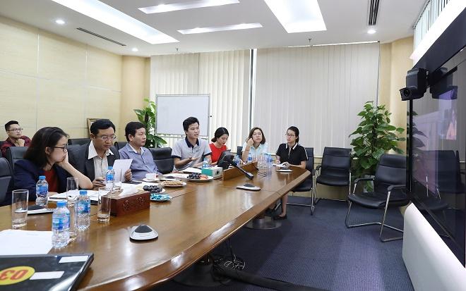 Startup TopCV đang thuyết trình về dự án trước hội đồng chuyên môn.