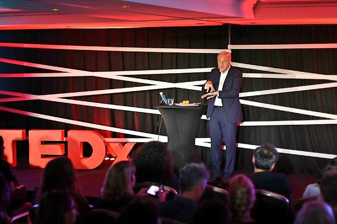 Huấn luyện viênAlain Goudsmetđồng thời là diễn giả của TEDx và các diễn đàn lớn cho lãnh đạo doanh nghiệp thế giới.