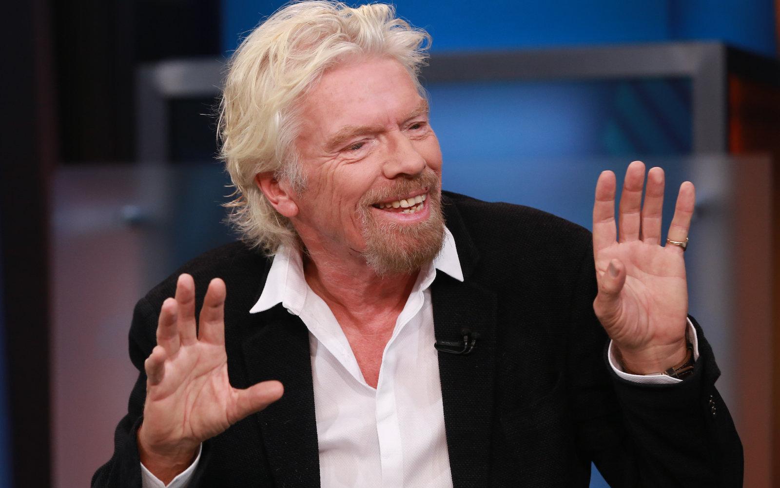 Richard Branson: Bán hàng cho khách thì dễ, bán cho nhà đầu tư mới khó