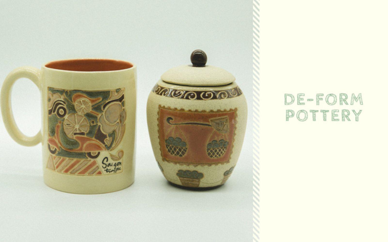 Các sản phẩm của De-form hiện đang được phân phối đến du khách qua các cửa hàng lưu niệm ở trung tâm Sài Gòn