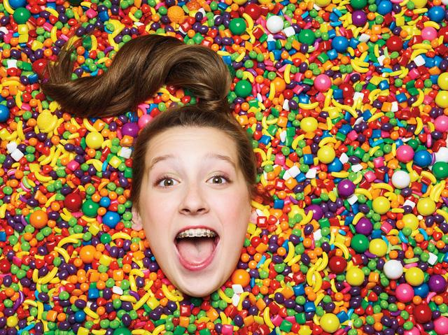 Được mời kẹo mút, cô bé 7 tuổi khởi nghiệp với công ty sản xuất kẹo tốt cho sức khỏe mang về doanh thu triệu đô - Ảnh 2.
