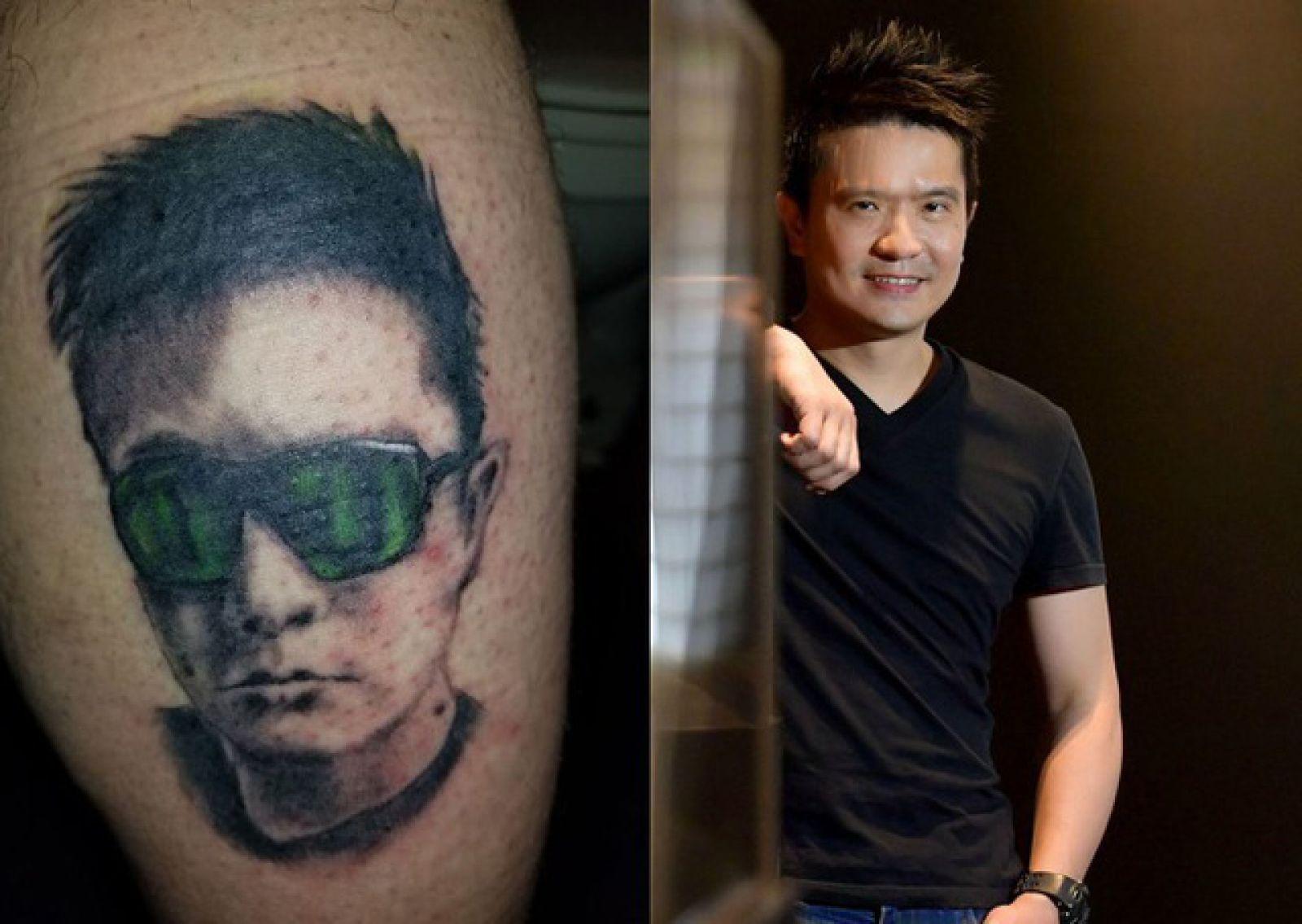 Một fan hâm mộ đã xăm hình gương mặt Tan lên chân.