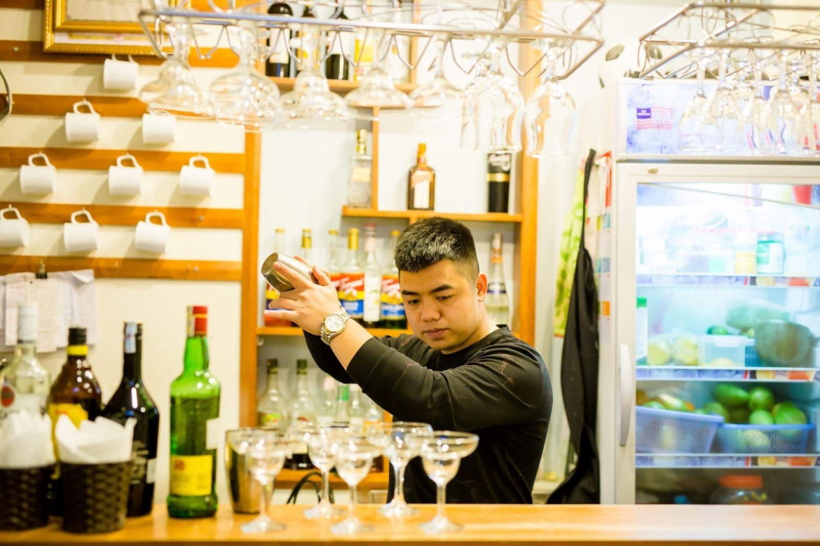 Lê Thanh Tùng, ông chủ Coffee Hannya