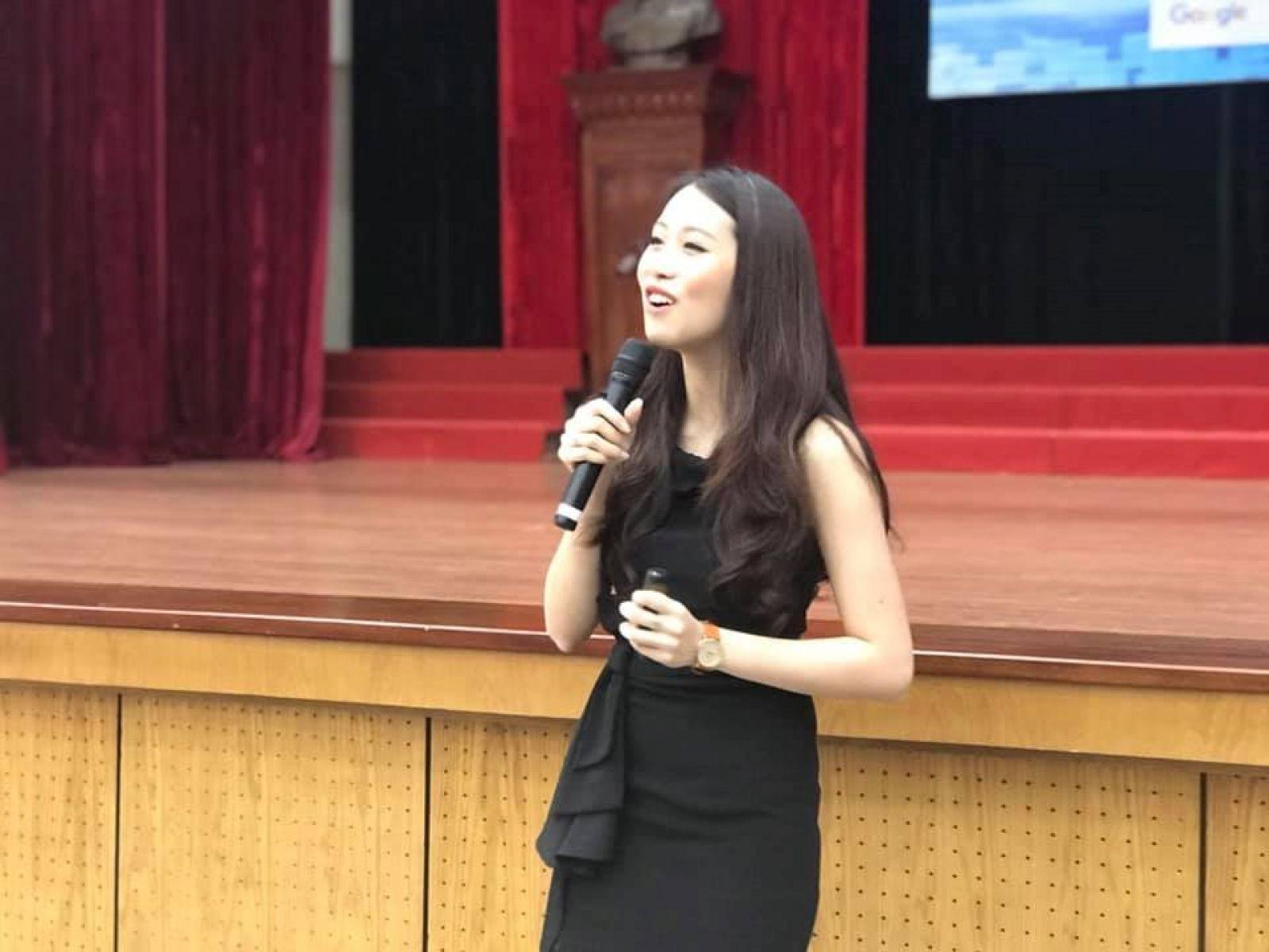 Bà Cindy Nguyễn (Nguyễn Phương Anh) Giám đốc chiến lược của Google khu vực châu Á Thái Bình Dương.