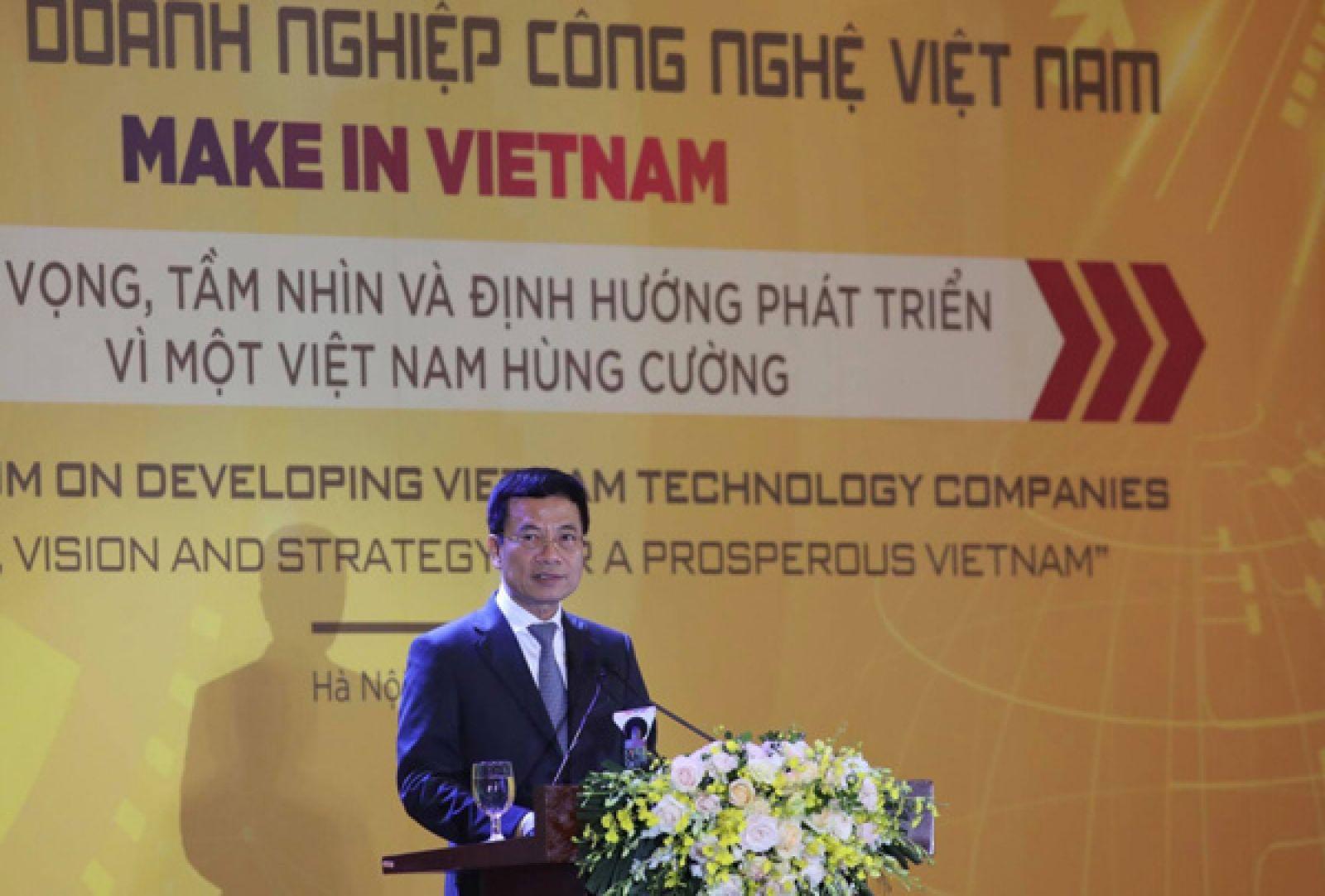 Bộ trưởng Bộ Thông tin Truyền thông Nguyễn Mạnh Hùng phát biểu tại Diễn đàn.