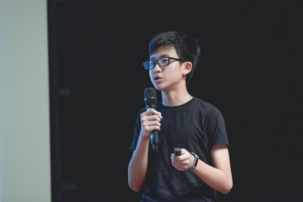Lấy từ thực tế bản thân gặp nhiều khó khăn trong việc quản lý tài chính, Rafael Soh đã nảy ra ý tưởng về ví điện tử cho thiếu niên và lao vào phát triển nó.
