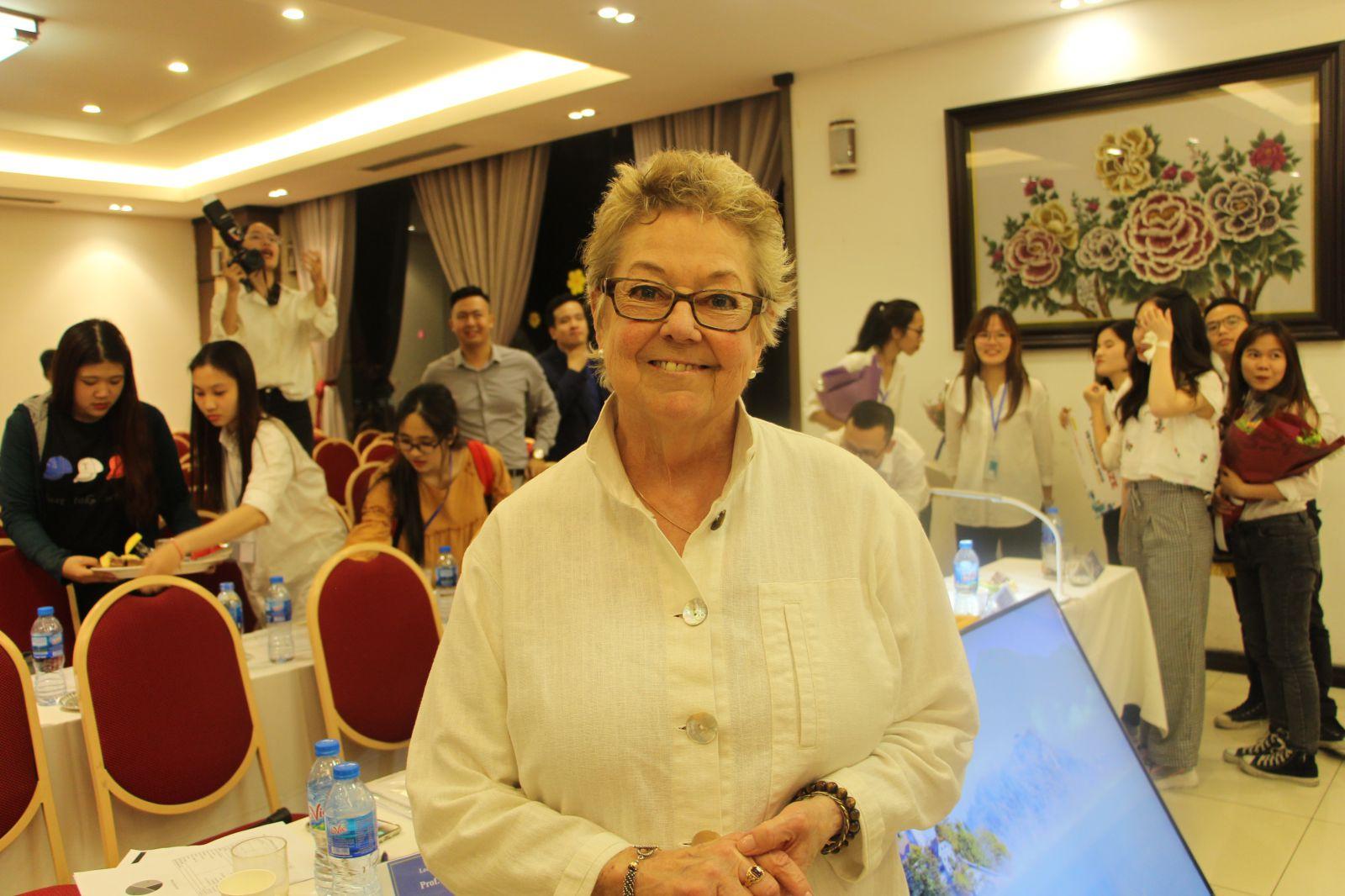 GS. Lynn Lannon - Thành viên Ban giám khảo