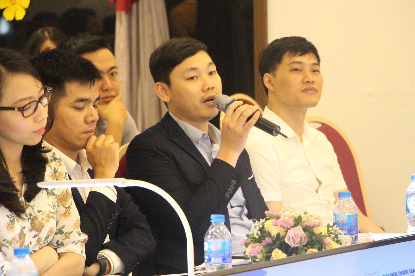 Đại diện Ban giám khảo phát biểu