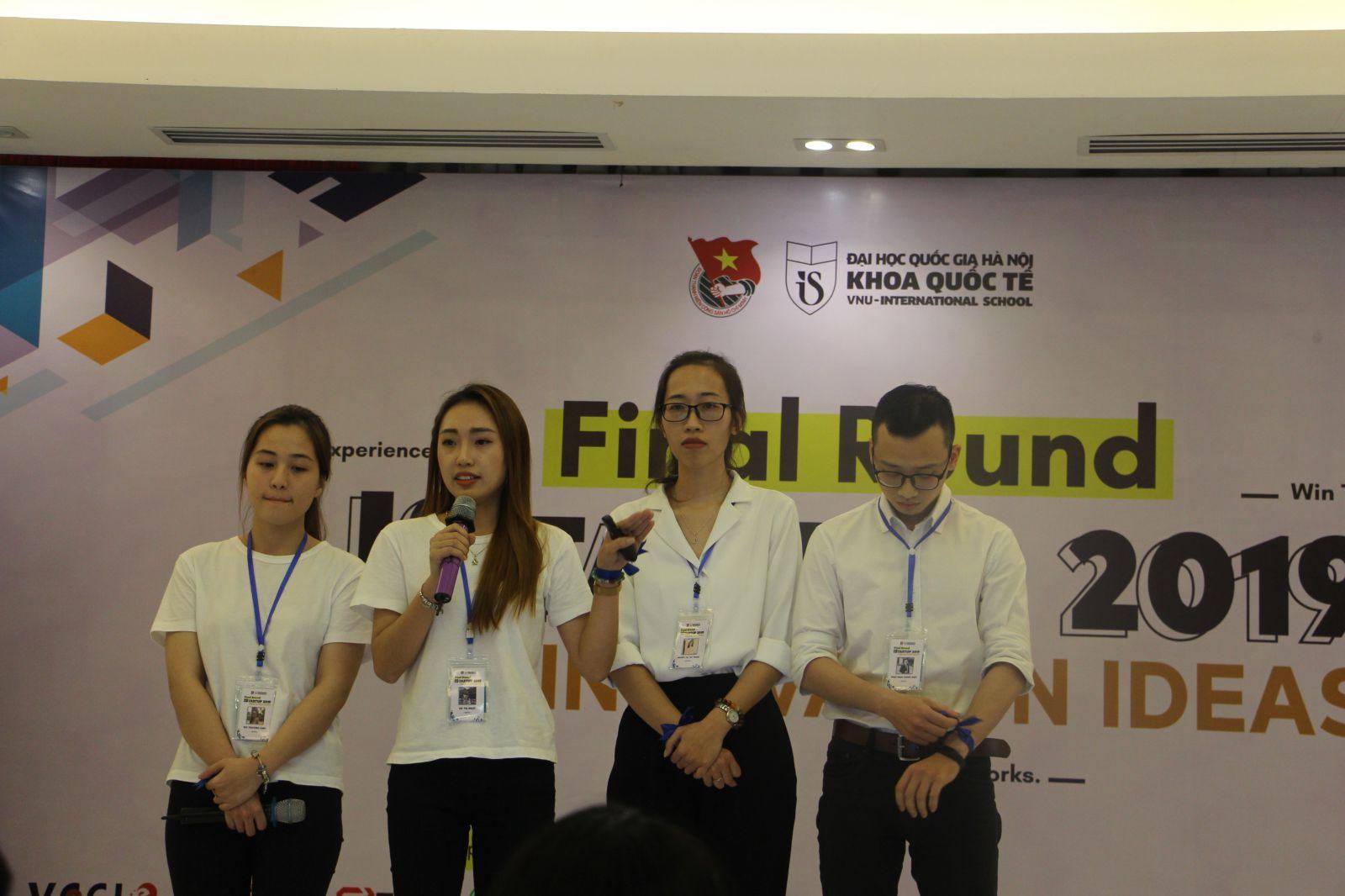 Đội 4DOST với dự án cải thiện và giới thiệu hệ thống nhà vệ sinh di động thông minh
