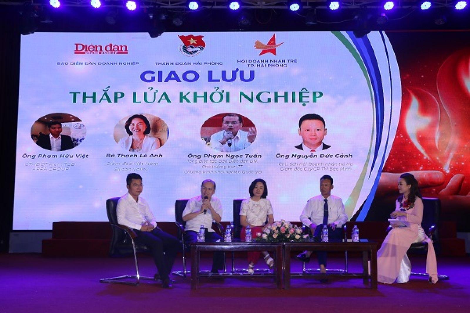 Bà Thạch Lê Anh tham gia giao lưu thắp lửa khởi nghiệp tại Hải Phòng do Báo Diễn đàn Doanh nghiệp phối hợp với Thành Đoàn và Hội Doanh nhân trẻ Hải Phòng tổ chức