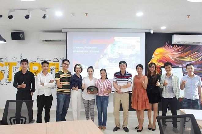 Đại diện của Songhan Incubator và các startup tham gia VTS 2019.