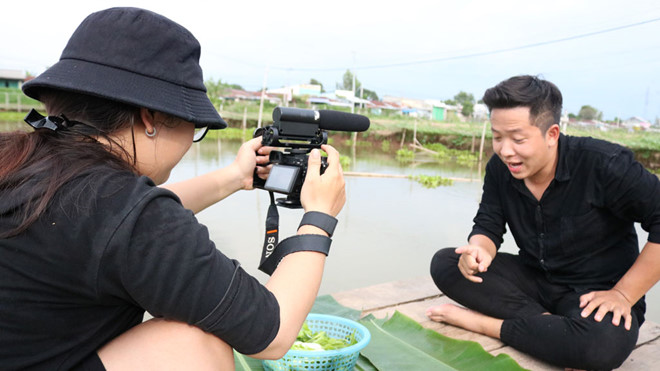 MC Bảo Bảo trải nghiệm ẩm thực tại miền Tây Nam bộ /// Phan Giang