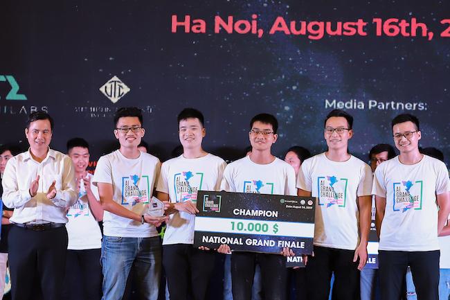 YoungGRD nhận giải thưởng 10.000 USD của Kambria.