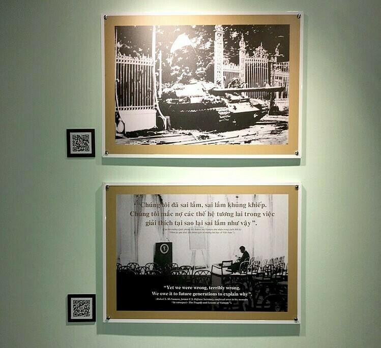 Mã QR được gắn tại hiện vật trong Bảo tàng Chứng tích chiến tranh. Ảnh: QR Guiding.