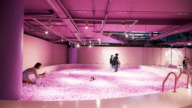 Bảo tàng trà sữa đầu tiên trên thế giới: Ngập tràn màu hồng và tím, lọt hố trân châu khổng lồ hơn 100.000 viên và nhiều trải nghiệm thú vị khác - Ảnh 11.