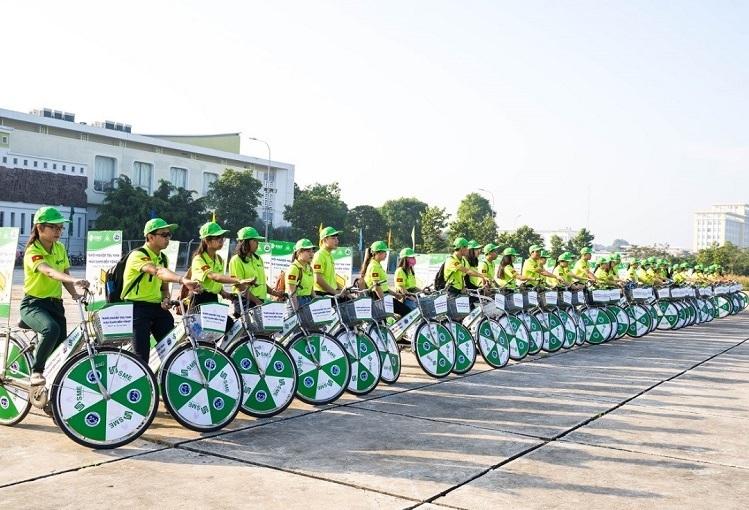 Thành viên câu lạc bộ Sinh viên Khởi nghiệp và câu lạc bộ Môi trường của Đại học Trà Vinh tham gia roadshow khởi động cho sự kiện Ngày hội Khởi nghiệp tỉnh Trà Vinh 2019