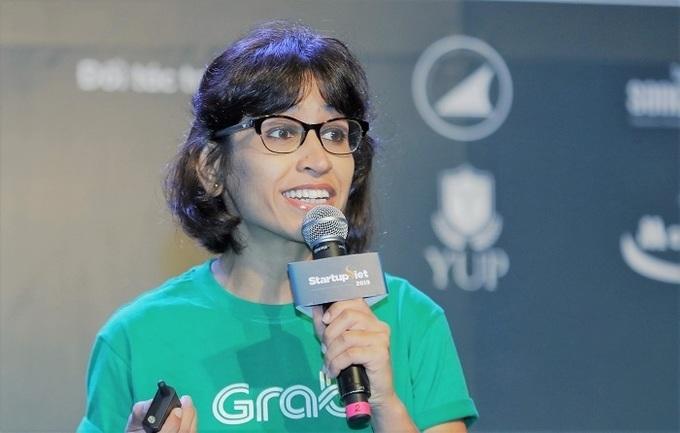 Bà Aditi Sharma - Giám đốc Chương trình Đầu tư Grab Ventures chia sẻ tại Gala Summit Startup Việt.