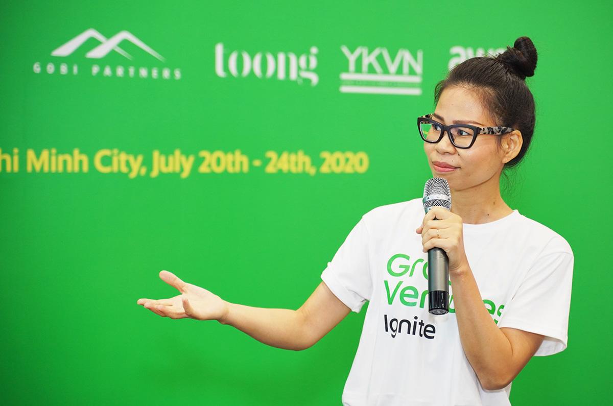 Bà Nguyễn Thái Hải Vân - CEO của Grab Việt Nam chia sẻ với các startup về những biến đổi trong hành vi người tiêu dùng sau Covid-19.