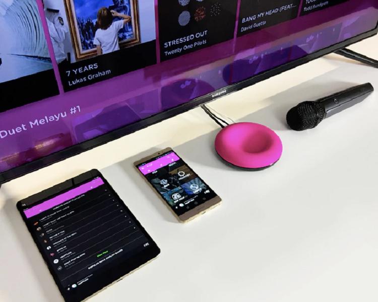 Hệ thống karaoke nhỏ gọn gồm Popsical Remix, micro không dây.