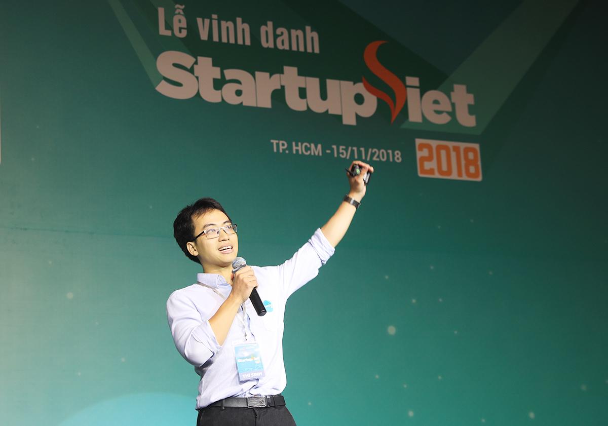 Bùi Hải Nam - CEO Datamart, đoạt giải quán quân cuộc thi Startup Việt 2018 do Báo VnExpress tổ chức.